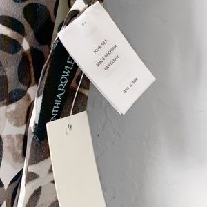 Cynthia Rowley Accessories - 🆕 CYNTHIA ROWLEY SILK SPECKLED PRINT SCARF